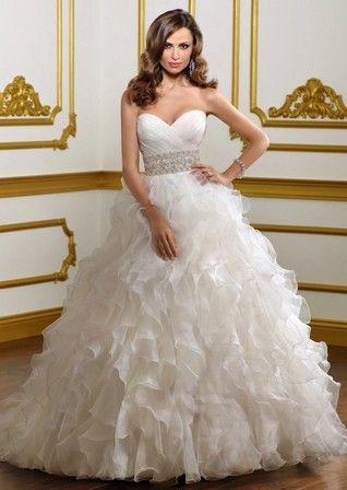 Очень женственные пышные длинные свадебные платья