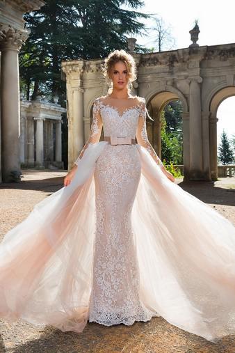 Невеста в платье трансформер