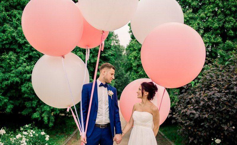 С воздушными шарами