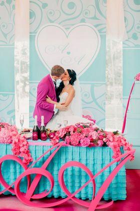 Красочная свадьба в цвете фуксия
