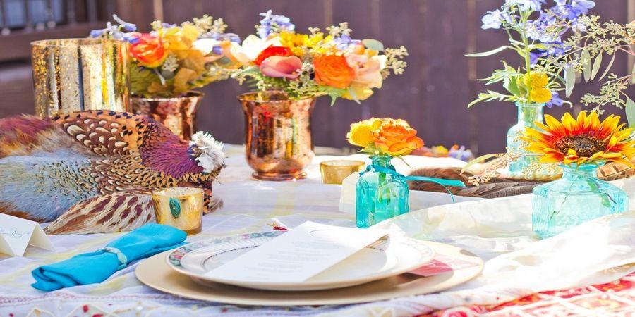 Используйте цветы и растения в больших количествах