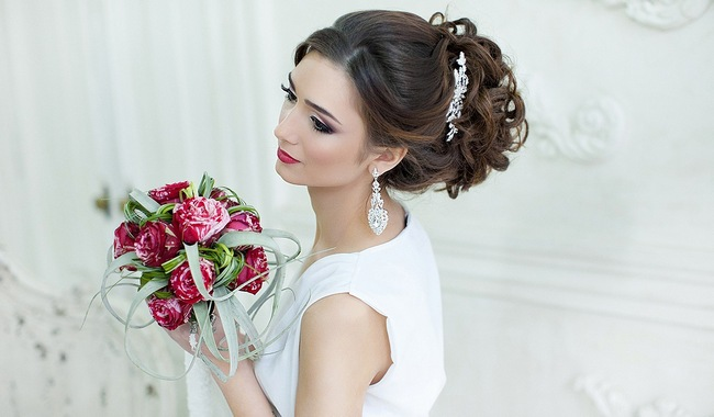 Заколки для волос невесты на свадьбу