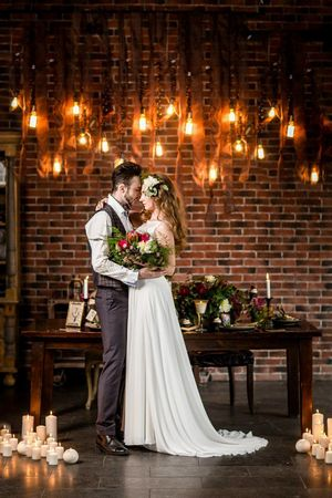 Молодожены на свадьбу в стиле лофт