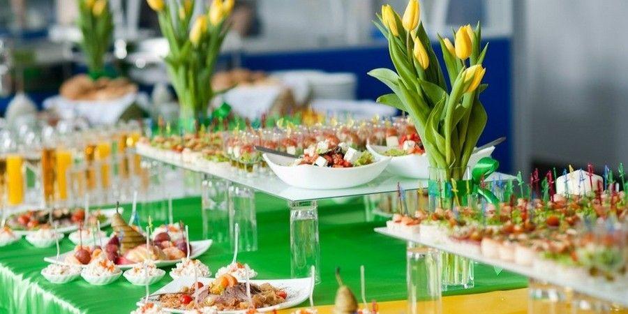 Угощайте гостей свежими и легкими блюдами