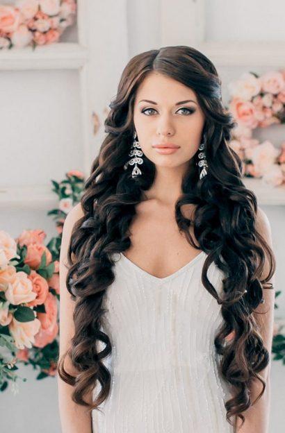 Прически на свадьбу из распущенных волос