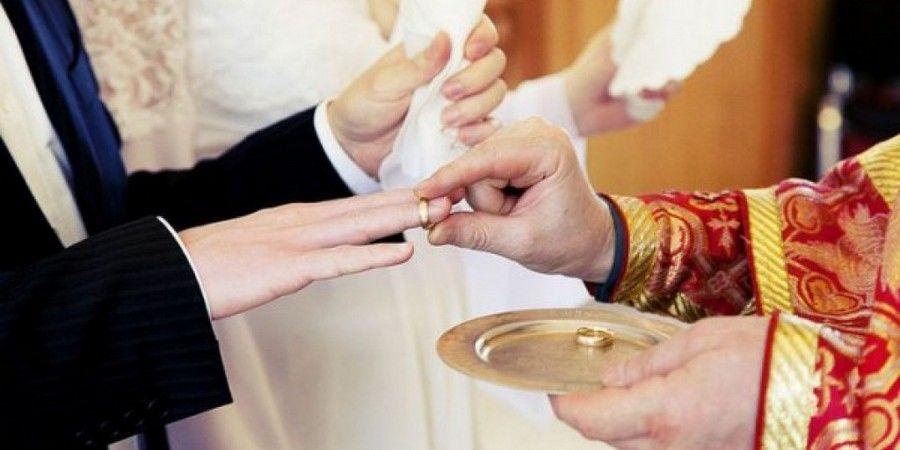 По традиции обмен кольцами происходит трижды