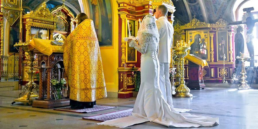 Нужно знать благоприятные даты для совершения Таинства обряда