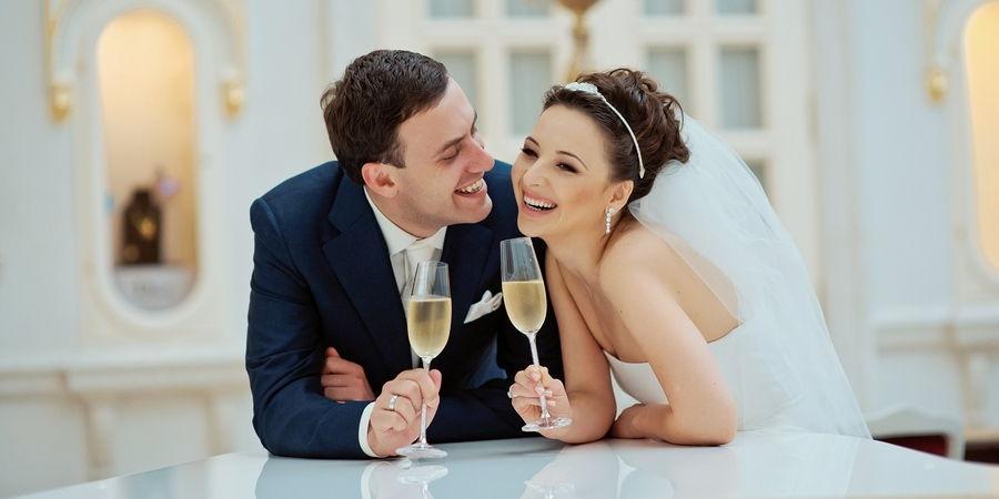 Нужно чтобы брак регистрировался по любви и был настоящим
