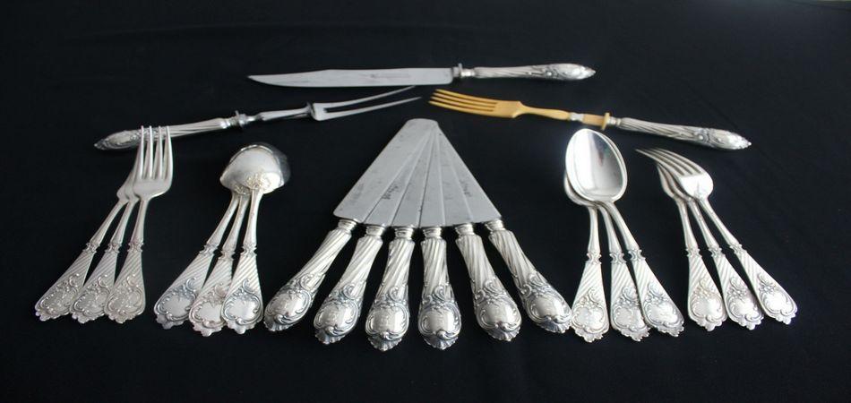 На двадцатипятилетие семьи преподнесите серебро