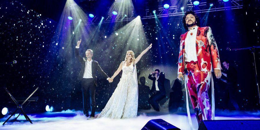 Супруги танцевали под песню Филиппа Киркорова