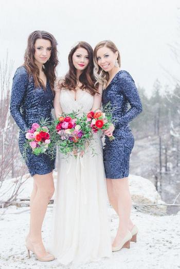 Шикарный зимний наряд на свадьбу для девушки