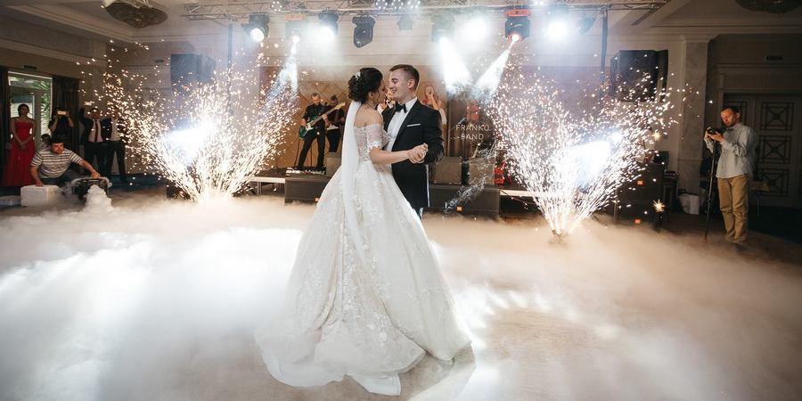 Супруги танцуют как умеют