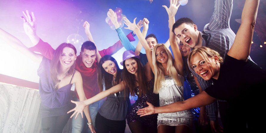 В клубе можно отлично повеселиться с приятелями