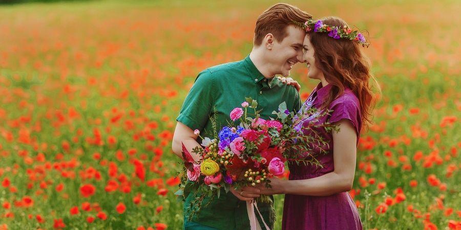 муж с женой должны поздравлять друг друга на годовщину брака