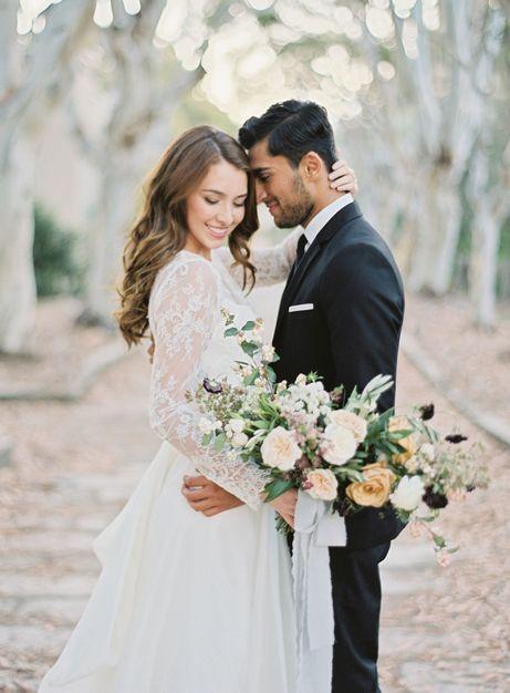 Через 8 лет отмечают жестяную годовщину свадьбы