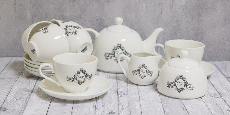 Гости часто дарят чайные сервизы