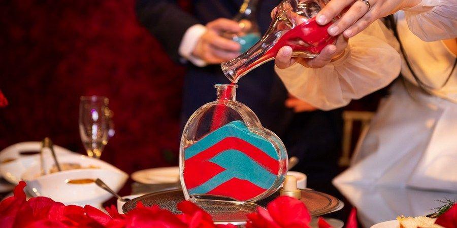Соединение разноцветных песчинок полюбилось в России