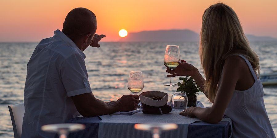 Обязательно отмечайте с супругой фаянсовую годовщину совместной жизни в браке