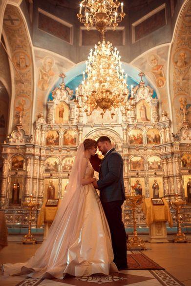 Венчание отмечают по-разному