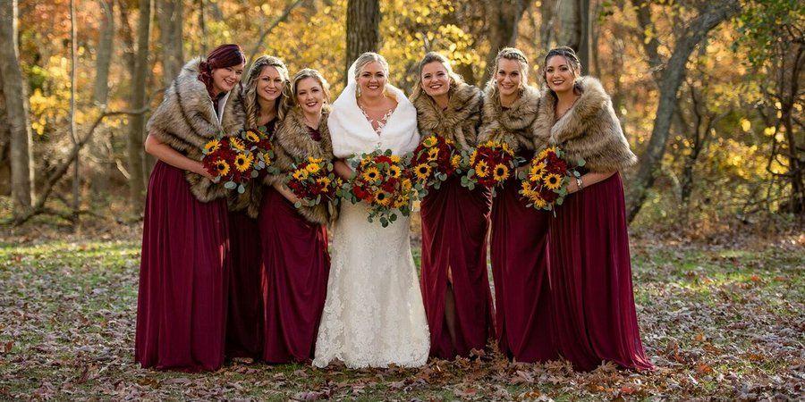 Бардовые краски на свадьбе в ноябре