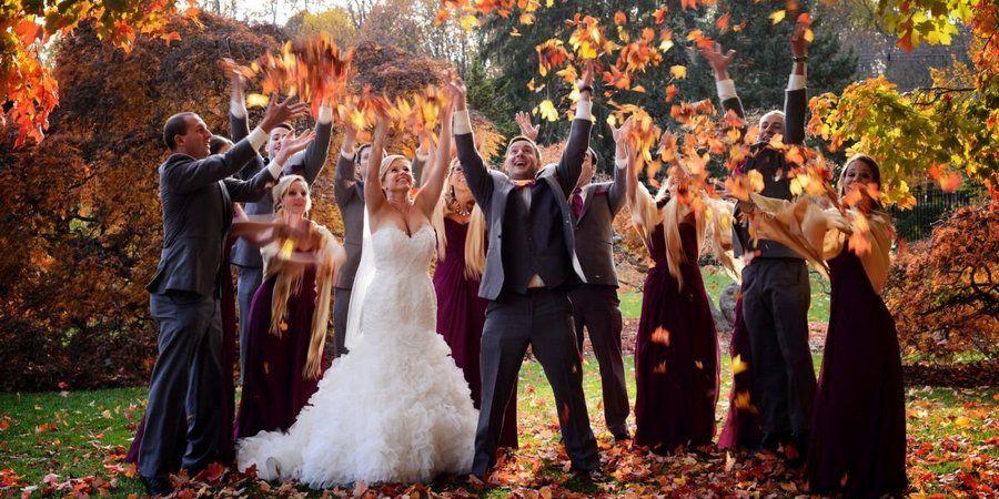 У друзей на свадьбе осенью