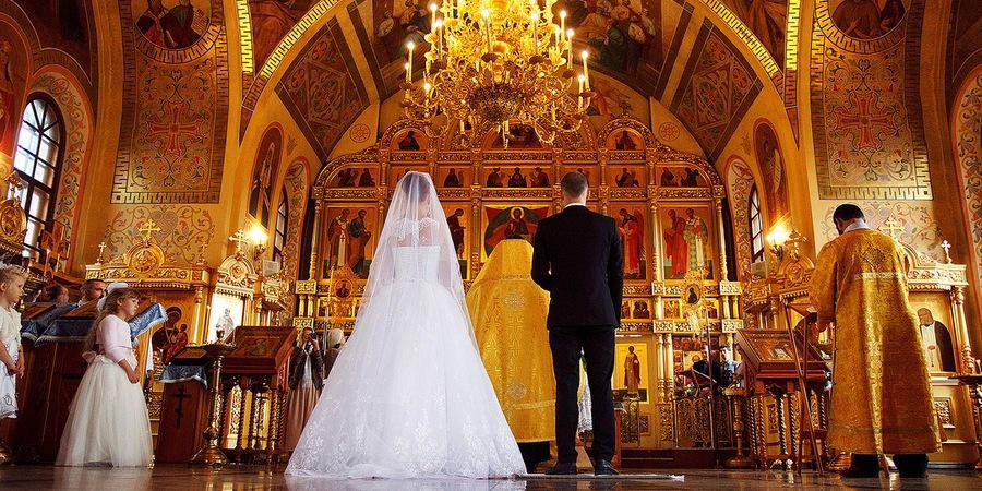 Часто совмещают венчание с росписью в ЗАГСе